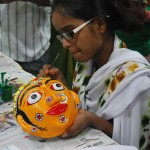 Art-Pitara_participant-during-the-mask-making-workshop