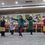 Participants-at-the-chhau-dance-workshop