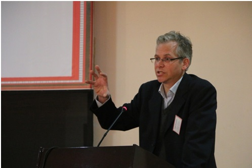 Dr. Eric D Maaker from Leiden University, Netherlands, giving his thematic keynote speech